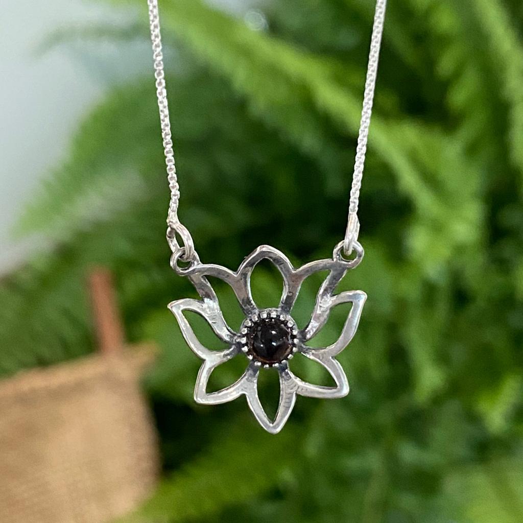 Colar de Prata 925 Flor de Lotus com Pedra
