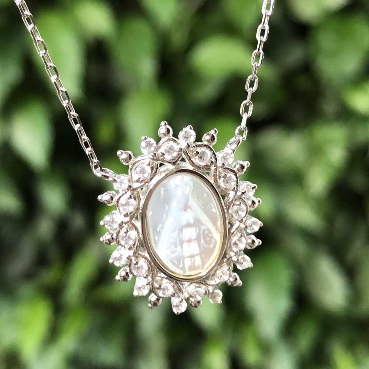 Colar de Prata 925 Madrepérola Nossa Senhora e Zircônia