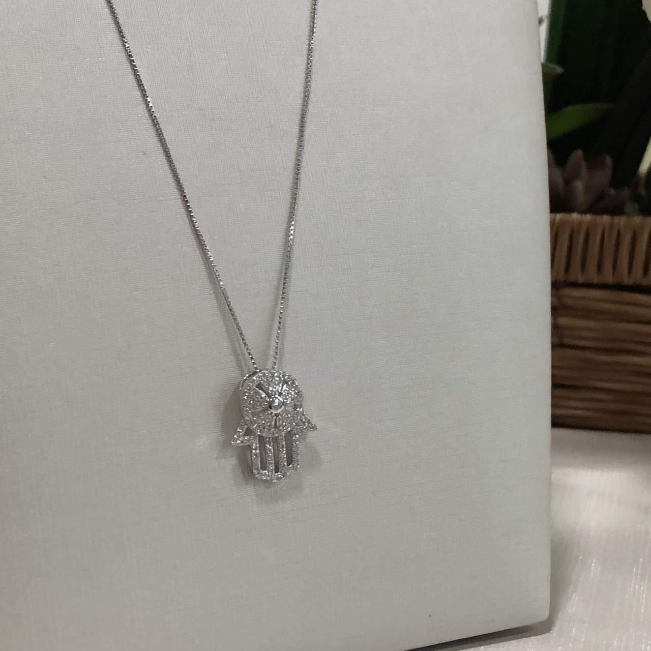 Colar de Prata 925 Mão de Fátima Cravejado Cristal