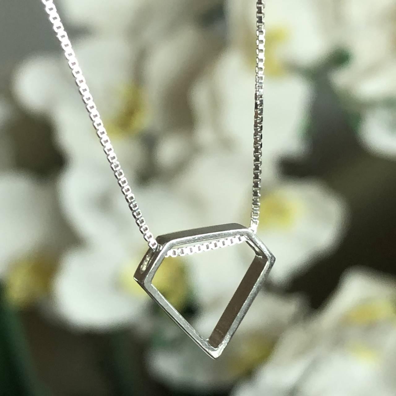 Colar de Prata 925 Pingente Formato Diamante