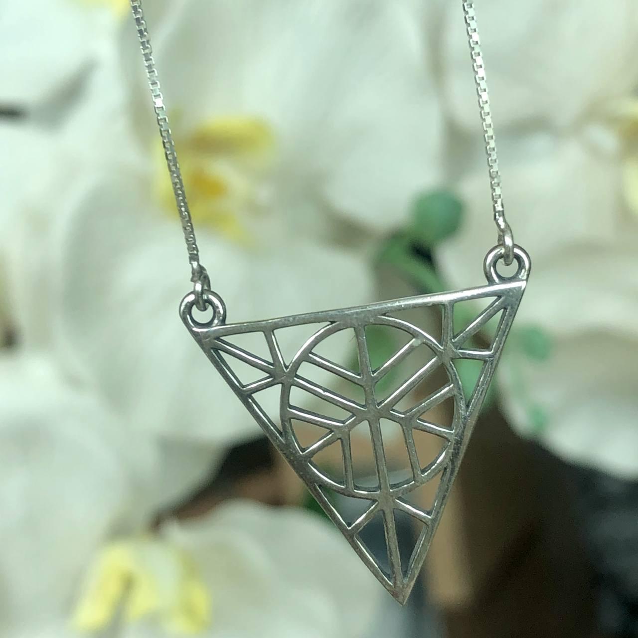 Colar de Prata 925 Pingente Triângulo Vazado Trabalhado