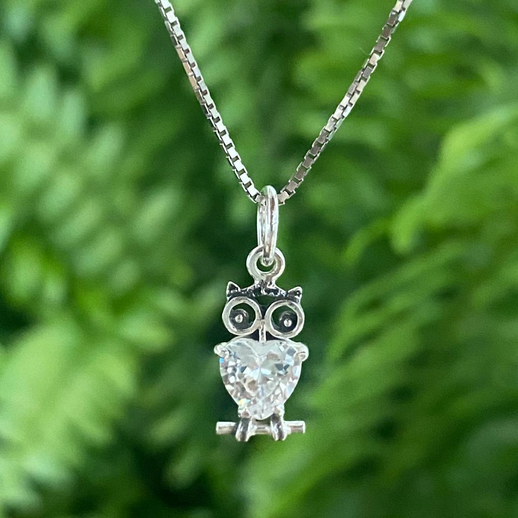 Pingente de Prata 925 Coruja Zircônia Cristal Coração 1,9cm