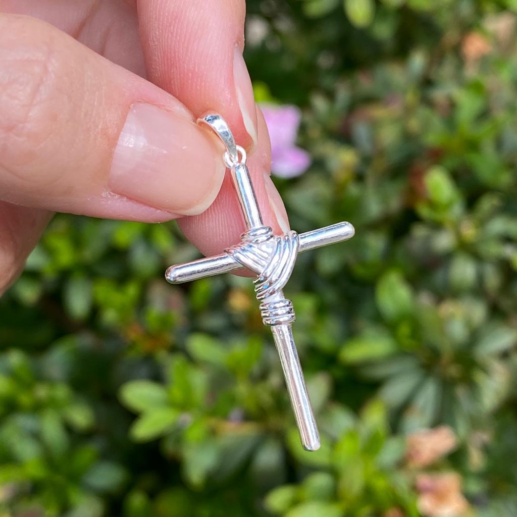 Pingente de Prata 925 Cruz C/ Detalhes Fio 4cm
