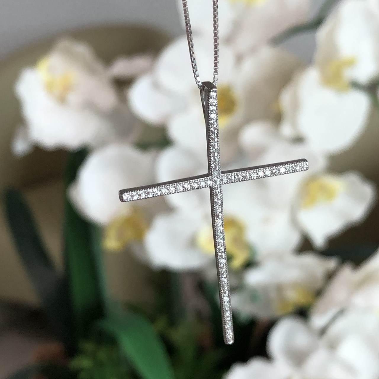 Pingente de Prata 925 Cruz Cravejada Zircônia Cristal