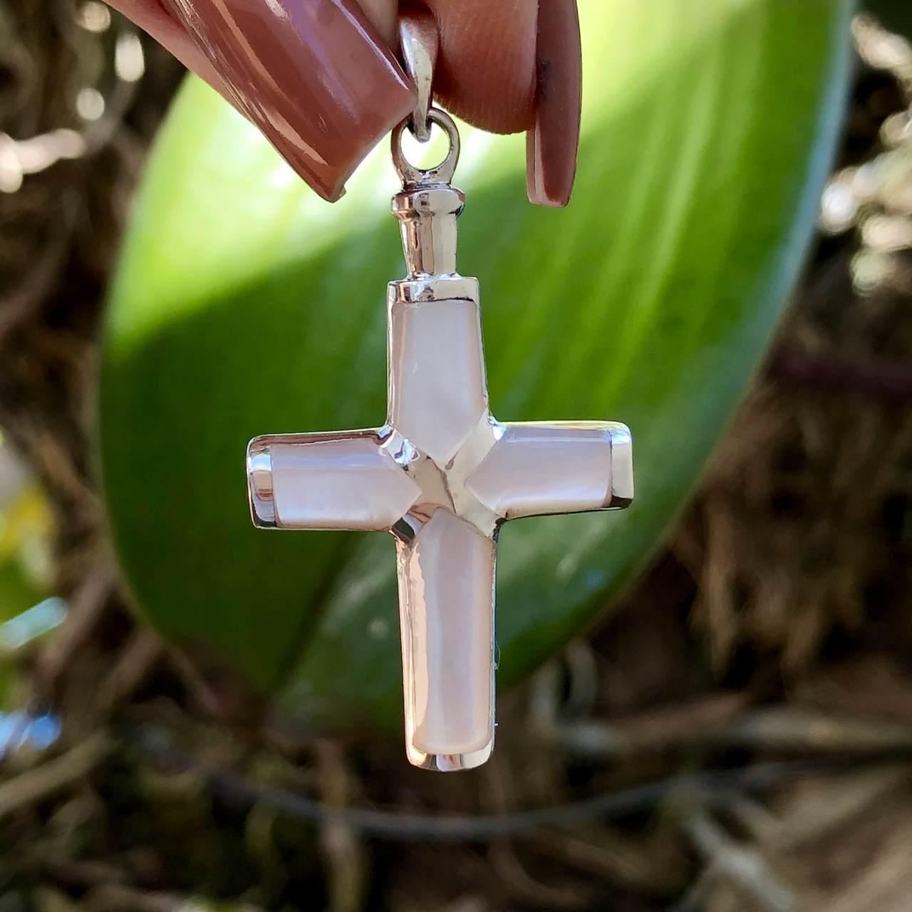 Pingente de Prata 925 Cruz Madrepérola 4,5cm