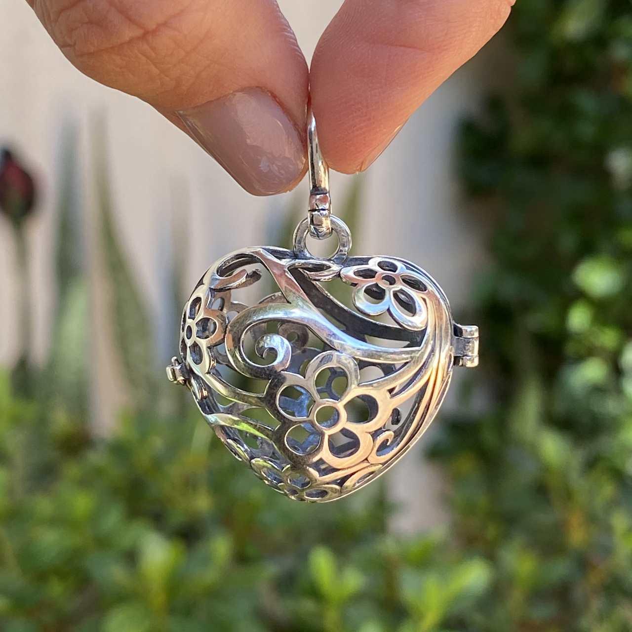 Pingente de Prata 925 Difusor Coração Trabalhado