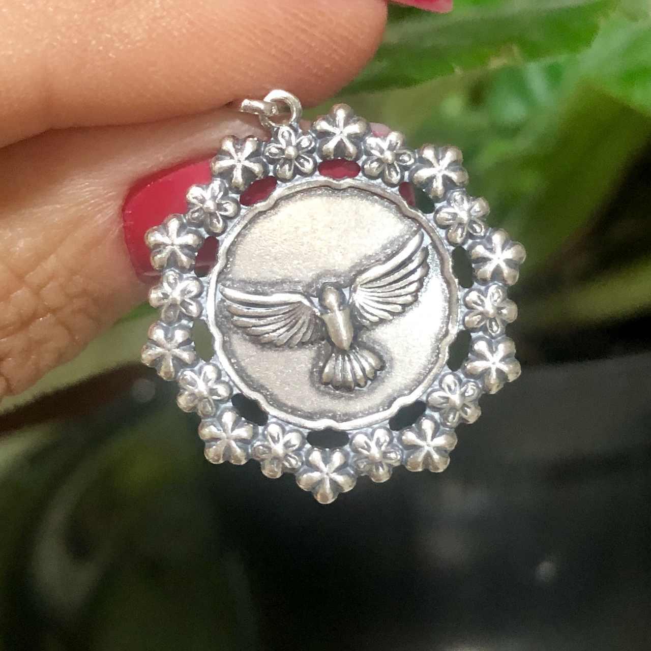 Pingente de Prata 925 Espírito Santo Circulo Flor