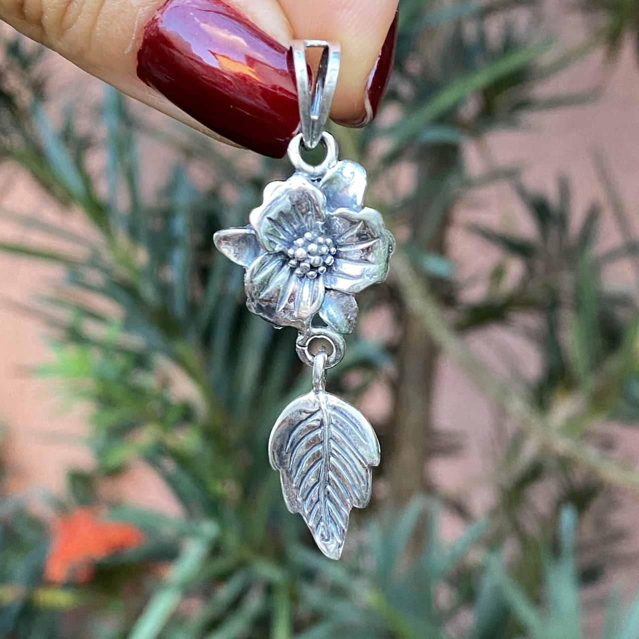 Pingente de Prata 925 Flor e Folha