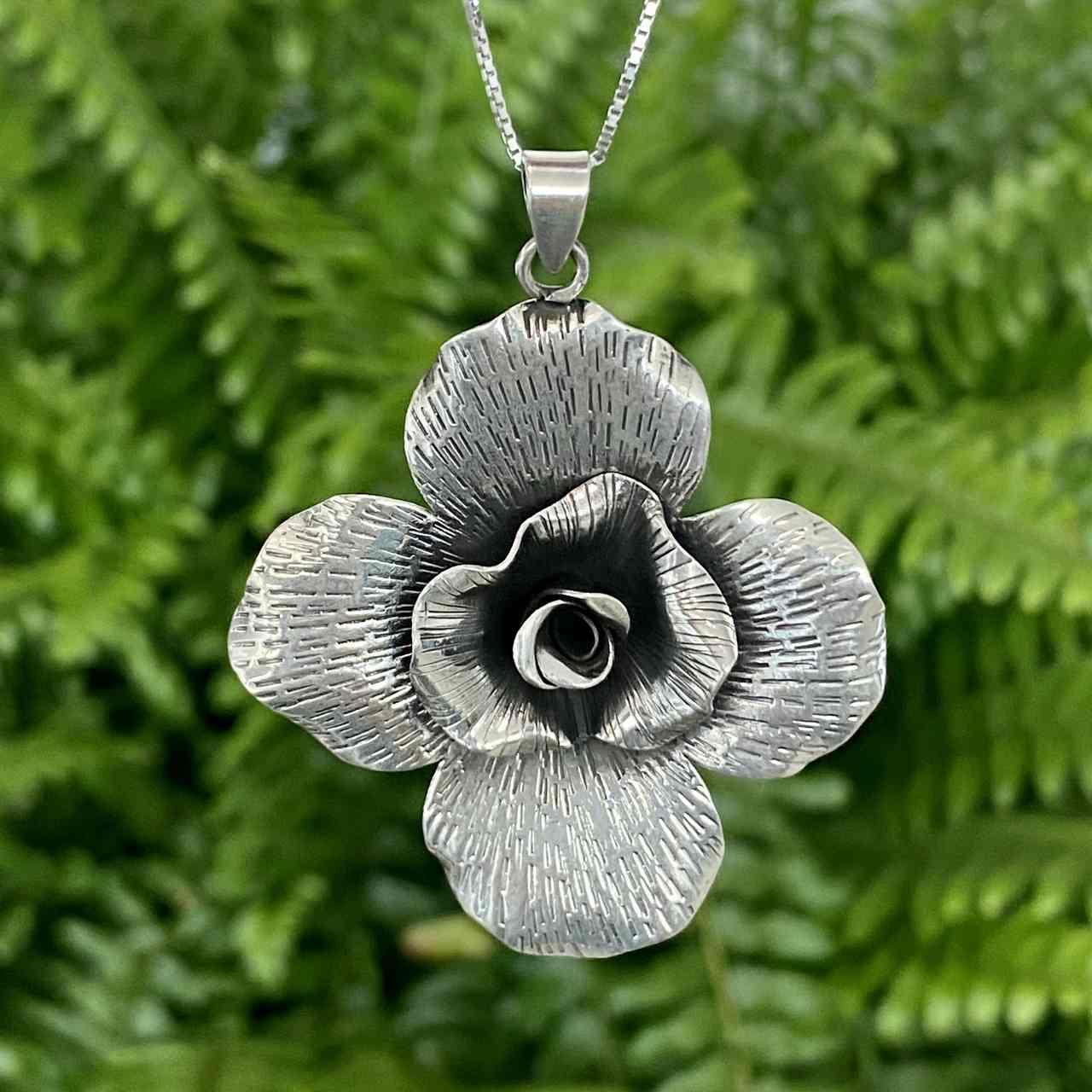 Pingente de Prata 925 Flor Envelhecida 4,5cm