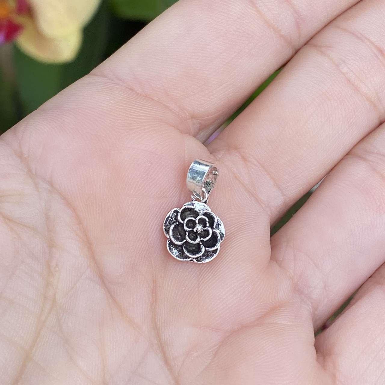 Pingente de Prata 925 Florzinha Envelhecida