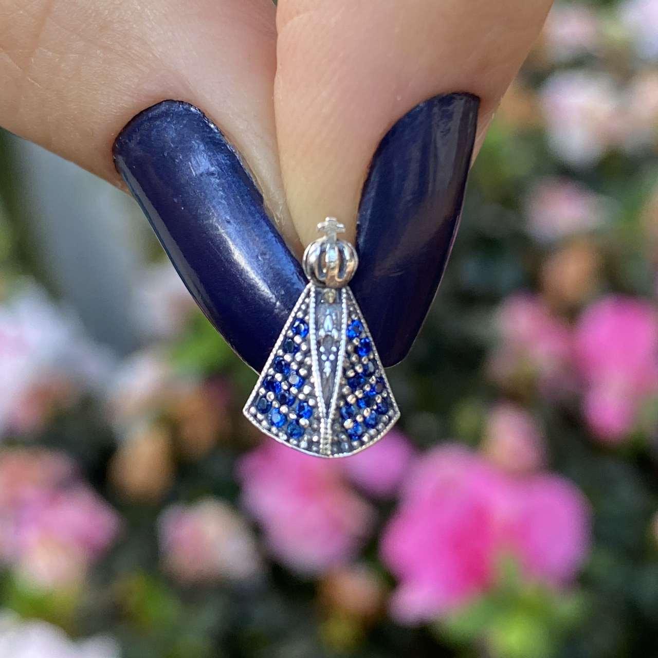 Pingente de Prata 925 Nossa Senhora Cravejado Safira e Cristal