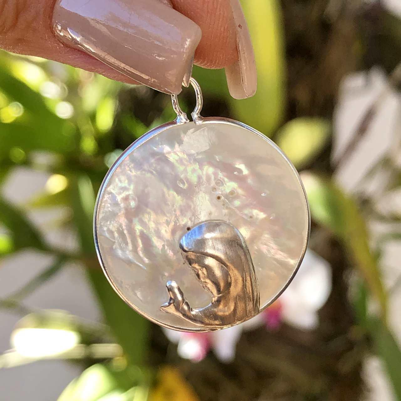 Pingente de Prata 925 Nossa Senhora na Madrepérola