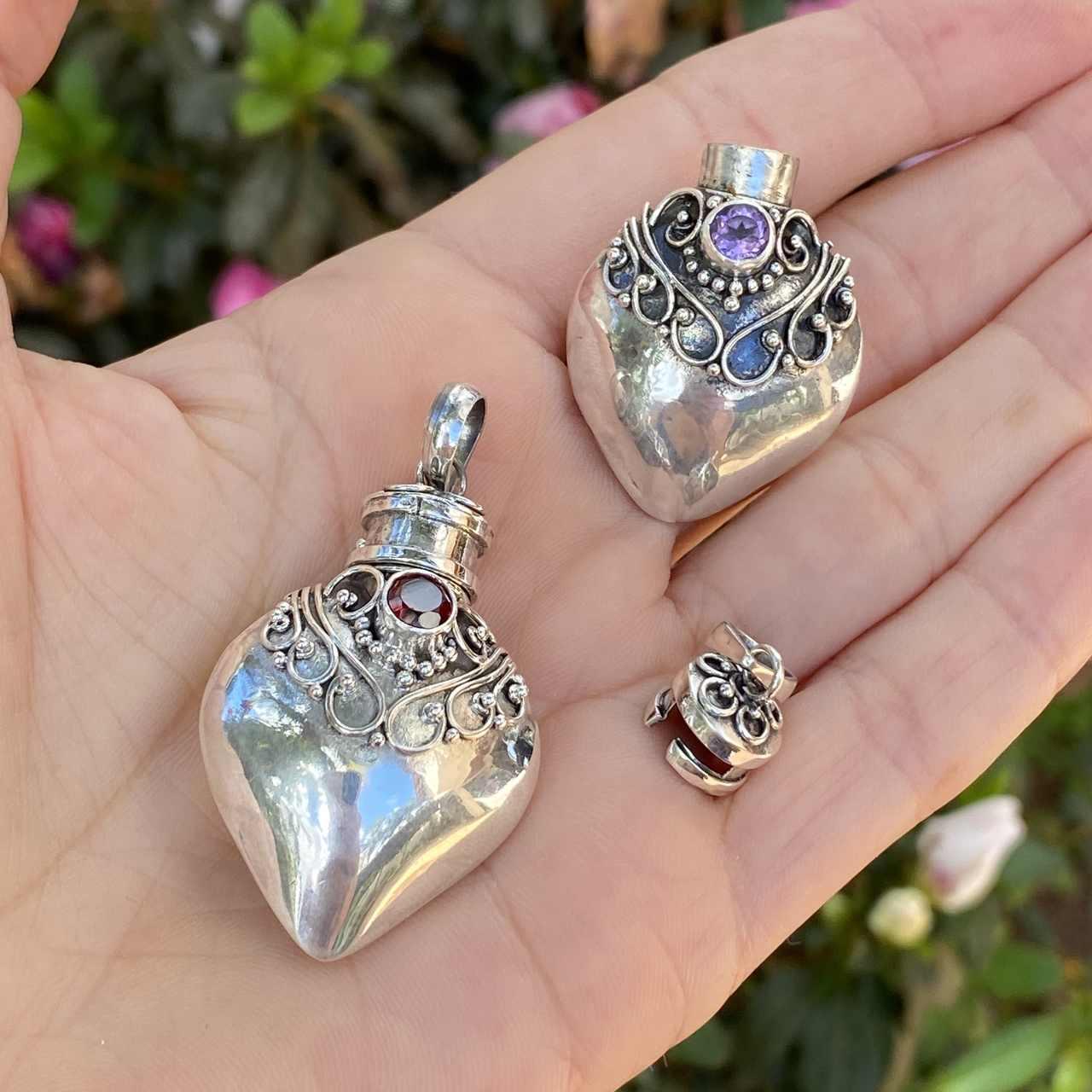Pingente de Prata 925 Perfumeiro Coração  Zircônia