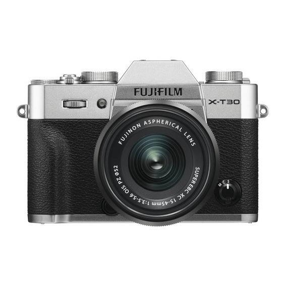 Câmera Fujifilm X-T30 Prata com Lente XC 15-45mm f/3.5-5.6 OIS PZ