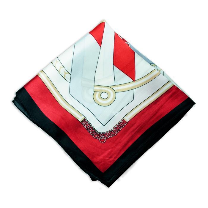 Lenço Vermelho com Estampa de Cordas e Fivelas
