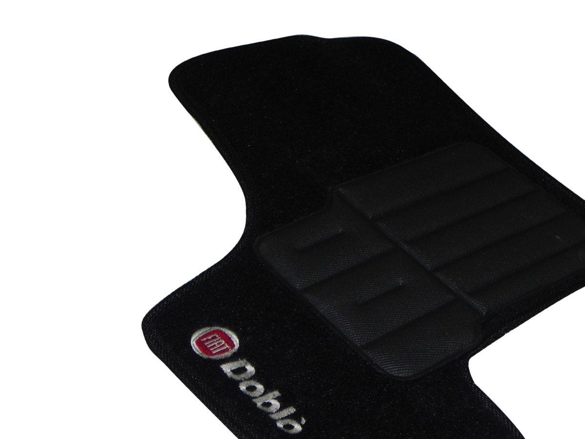 Jogo tapete carpete Doblo 2001 até 2017 com bordado (5 peças) e base pinada