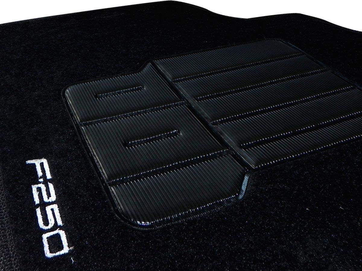 Tapete Carpete Ford F-250 Cabine Dupla Personalizado com bordado nos dois tapetes dianteiros (3 peças)