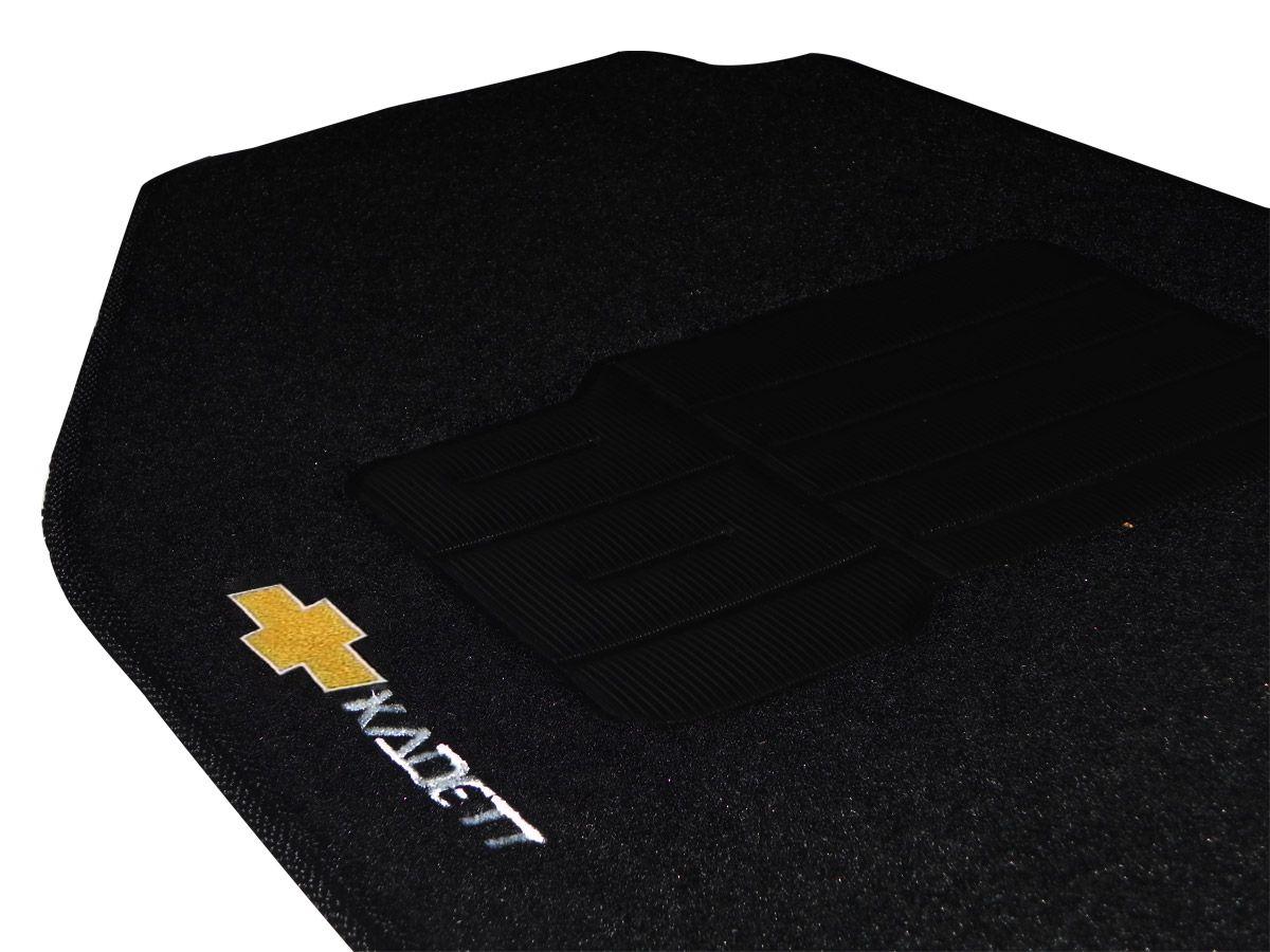 Jogo tapete carpete Kadett 1988 até 1998 com bordado (5 peças) e base pinada