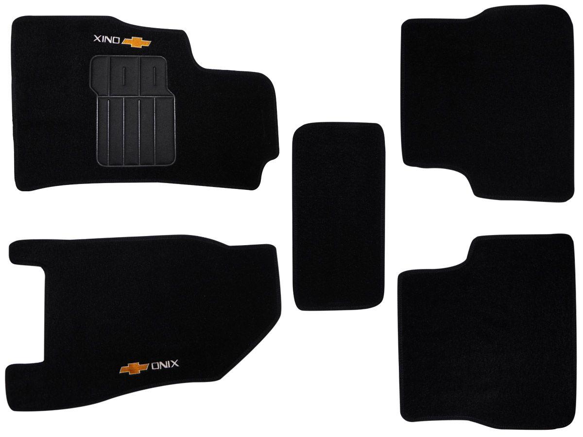 Jogo tapete carpete Onix 2012 até 2019 com bordado (5 peças) e base pinada