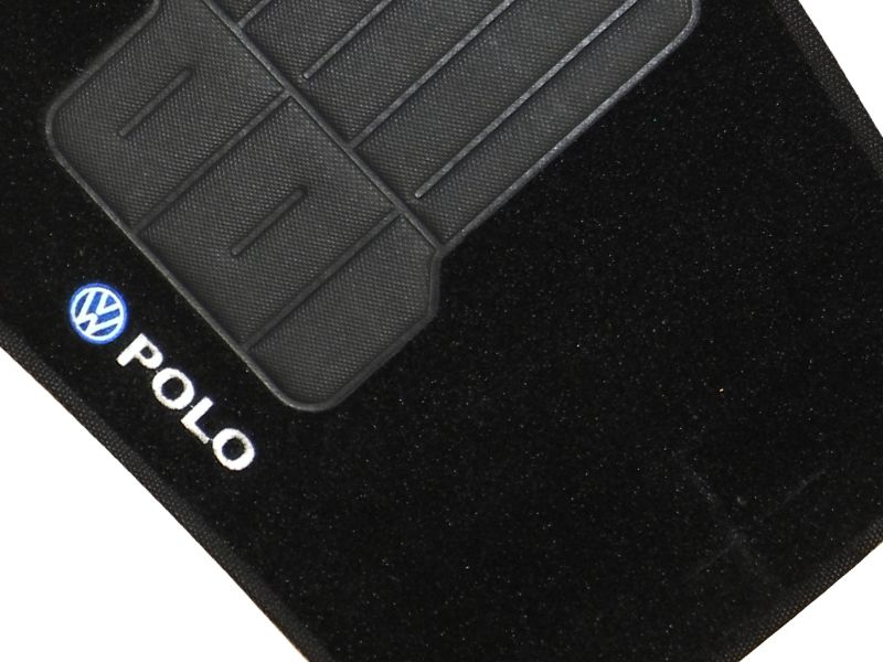 Jogo tapete carpete Polo hatch sedan 2008 até 2017 com bordado (5 peças) e base pinada