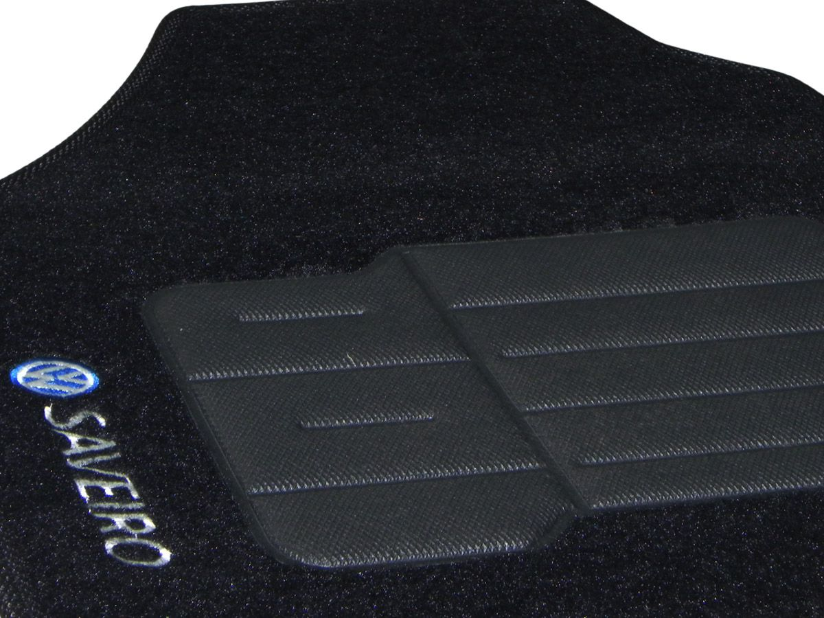 Tapete Carpete VW Saveiro G3/G4 2000 2001 2002 2003 2004 2005 2006 2007 2008 2009 Personalizado com bordado nos dois tapetes dianteiros (2 peças)