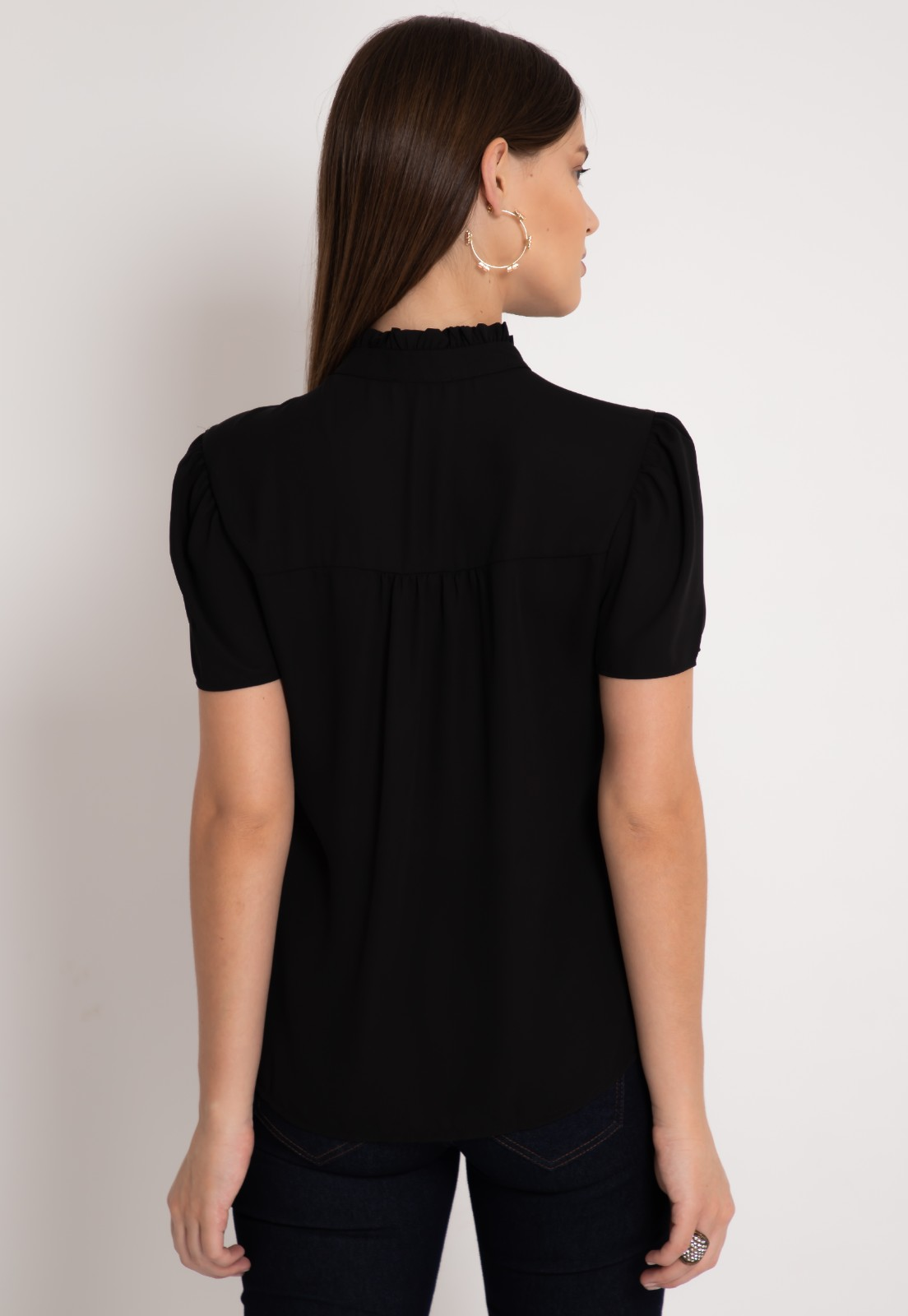 Blusa de crepe manga curta preta