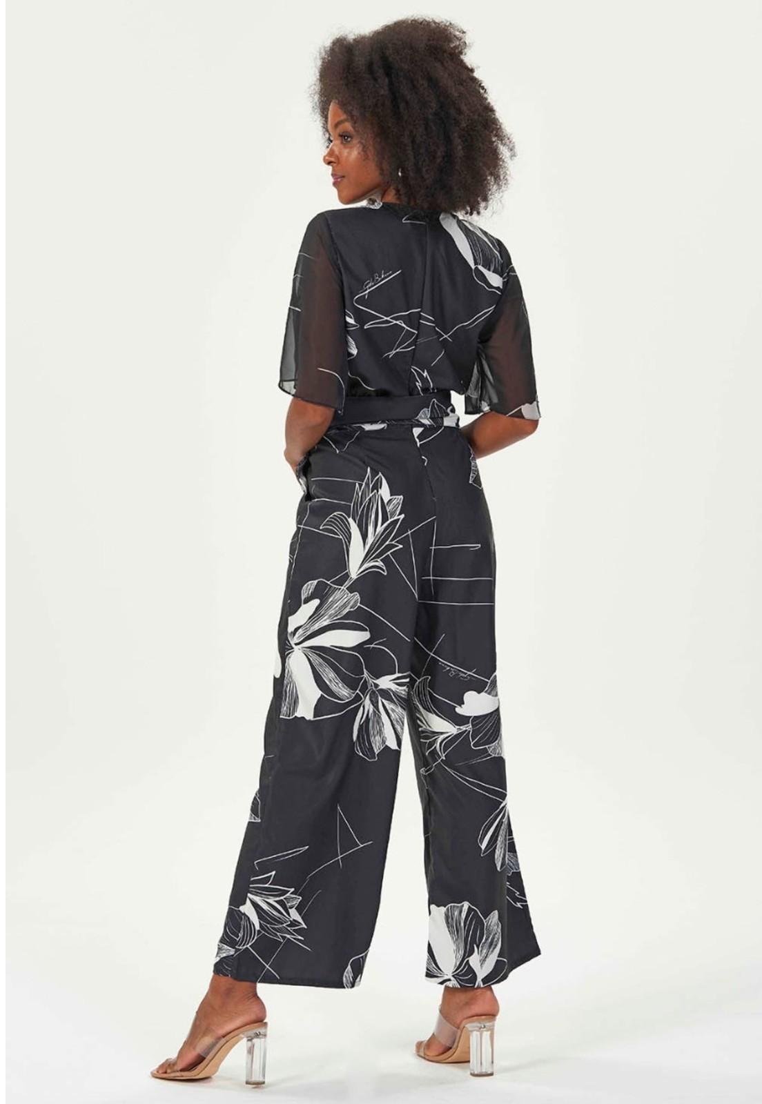 macacão pantalona preto e branco