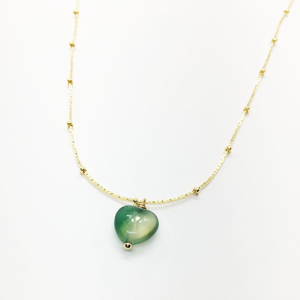 Colar com Pingente de Jade Verde Coração