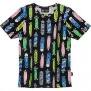 Camiseta Infantil Masculina Preta Estampa de Skates Coloridos