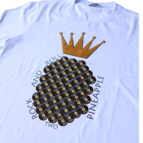 Camiseta Infantil Masculina Branca Discos com Coroa