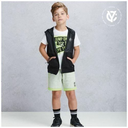 Camiseta Infantil Masculina Branca Estampa em Neon