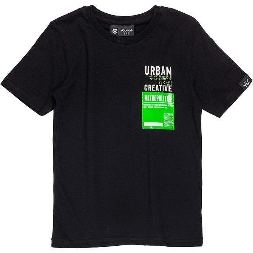 Camiseta Infantil Masculina Preta com Detalhe em Verde Neon