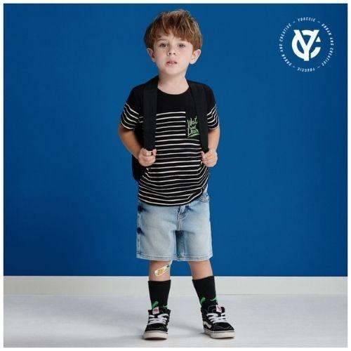 Camiseta Infantil Masculina Preta Listrada com Bolso