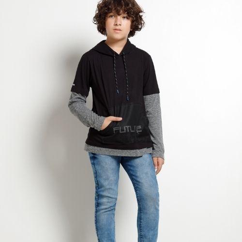 Camiseta Infantil Masculina Preta Capuz com Bolso Canguru