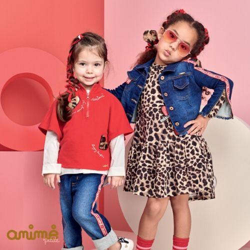 Jaqueta Feminina Jeans Infantil com Faixa de Logomarca Vermelha