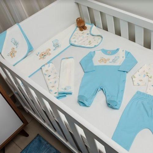 Saída Maternidade Masculina Azul Dinossauro com Proteção Antiviral
