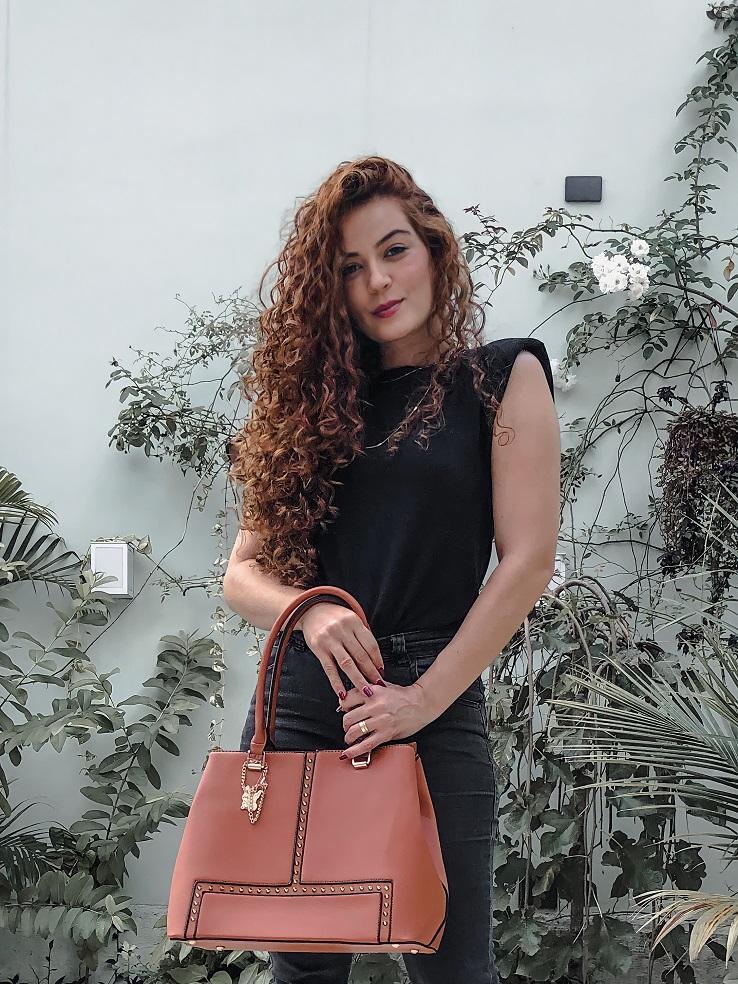 Bolsa Feminina Fashion com spikes - caramelo