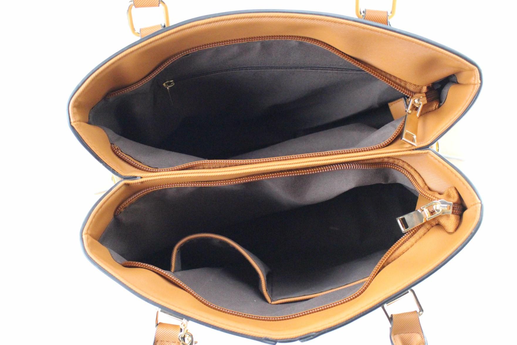 Bolsa de ombro com spikes - caramelo