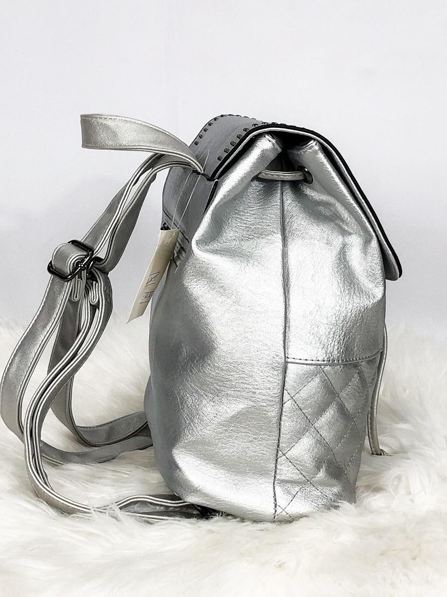 Mochila saco feminina  com tachas