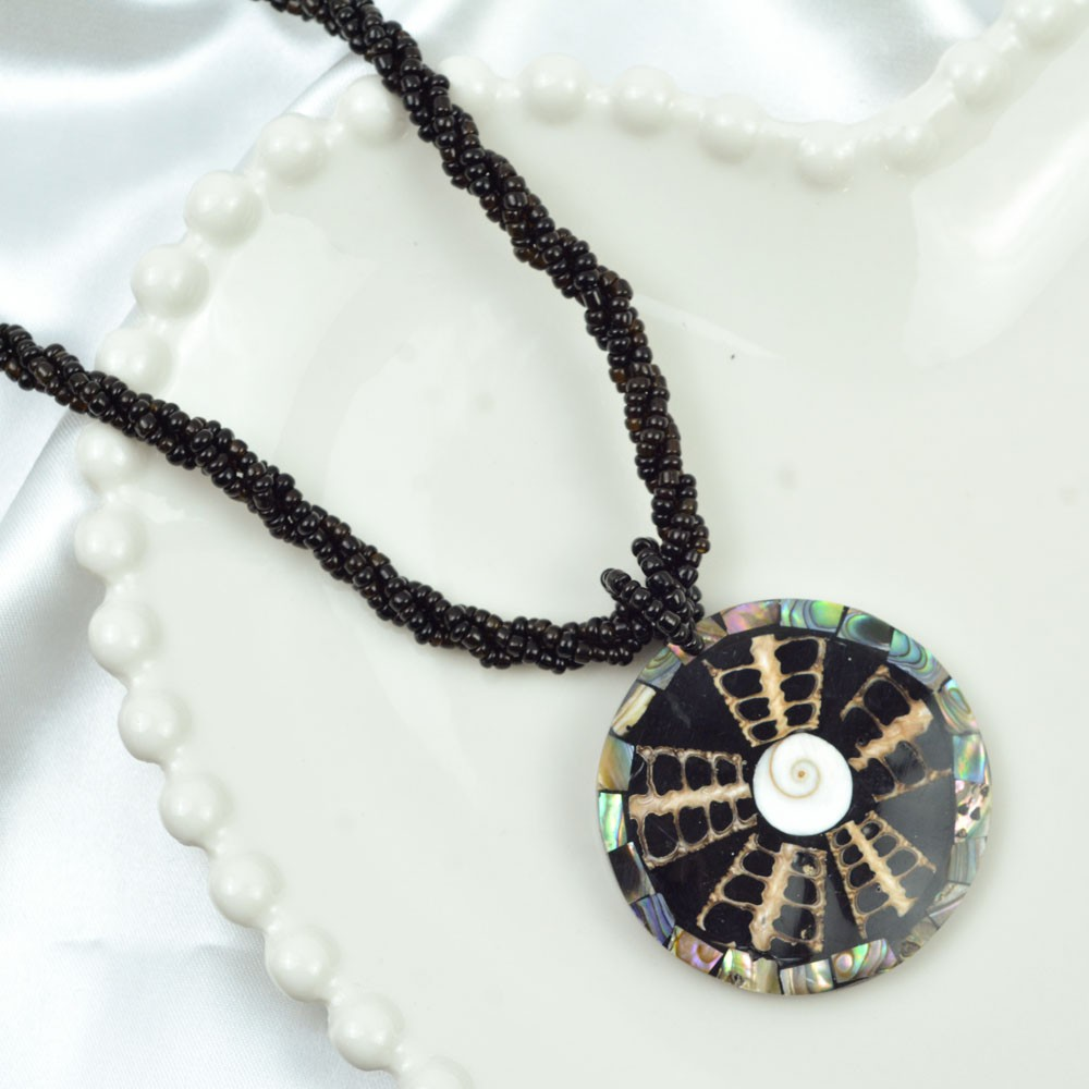 Colar Artesanal Pingente Mandala Abalone REF:116