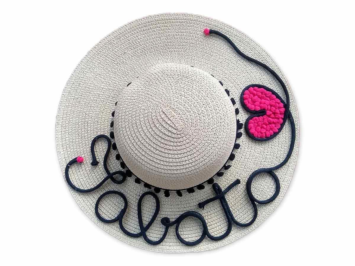 Chapéu de Praia com Nome + Coração Rosa ou Coração Vermelho