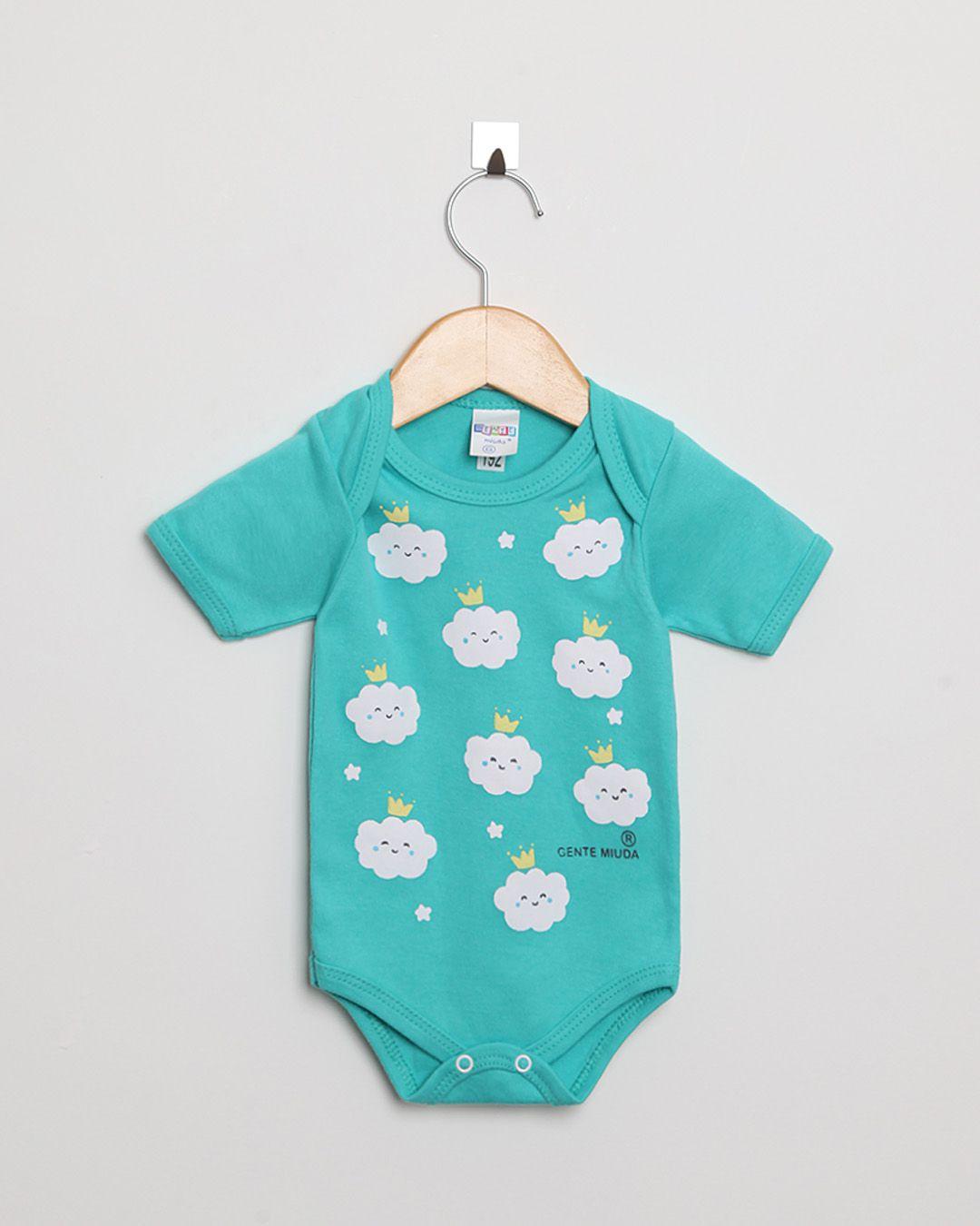 Body Bebê Manga Curta Suedine Menino Turquesa Nuvens