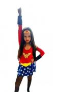 Fantasia Super Mulher Maravilha                Super-Herói            Mulher Maravilha       Super-Heroina