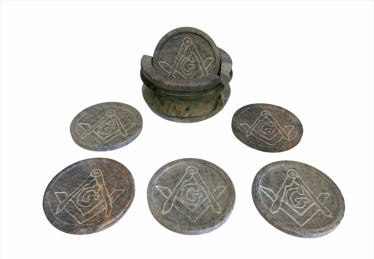 6 porta copos com base da Maçonaria em pedra de sabão feitas a mão.