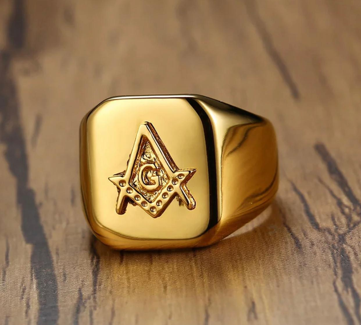 Anel Gold Esquadro e Compasso Luxo