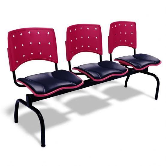 Longarina Assento Estofado