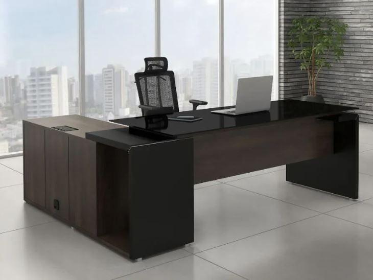 Mesa em L com Tampo de Vidro e Bancada Acoplada Armário Modulado Linha Edge COD 277