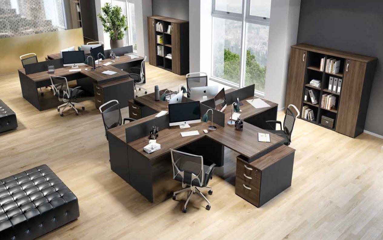 Mesas com divisórias compostas com gaveteiros acoplados M25