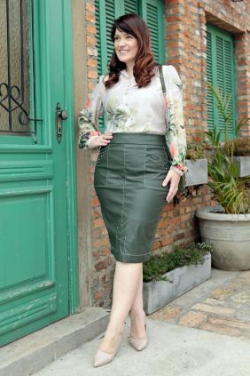 Saia Plus Size de Couro com Pesponto Kauly Verde
