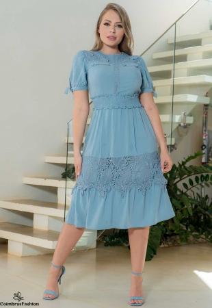 Vestido Em Viscolinho Com Recortes Em Renda Azul Kauly
